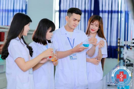 Học y dược Hà Nội