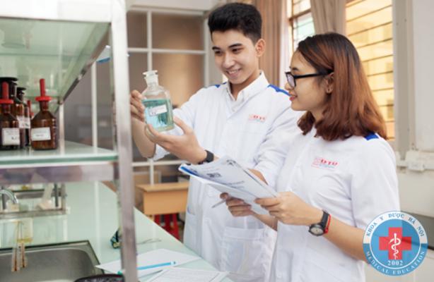 Học dược sĩ cần chú trọng thực hành