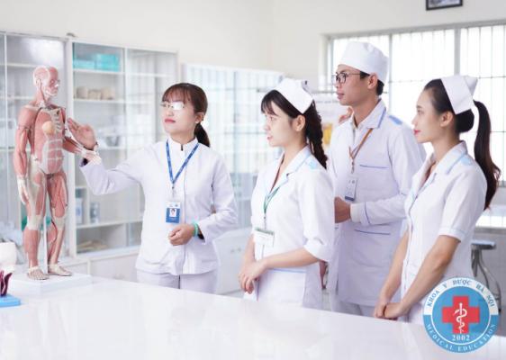 Cơ hội việc làm ngành điều dưỡng cao