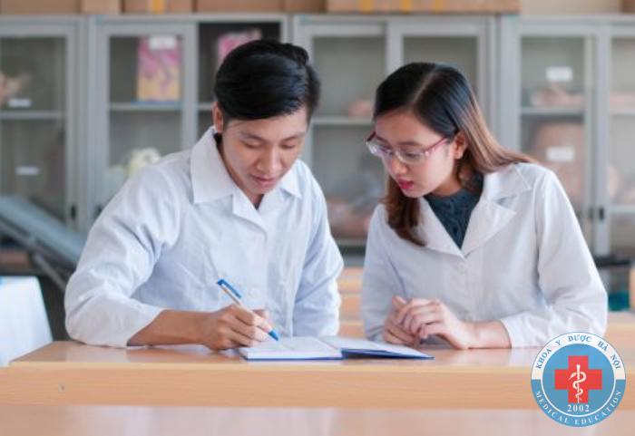 Học dược sĩ được xã hội coi trọng