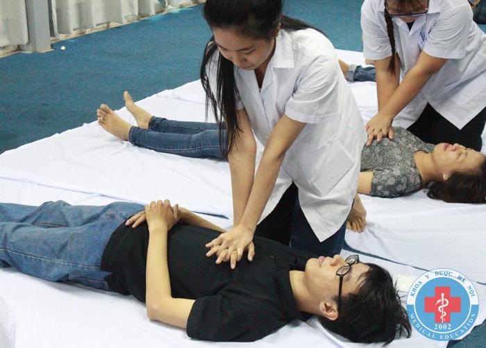 Giờ thực hành ngành điều dưỡng
