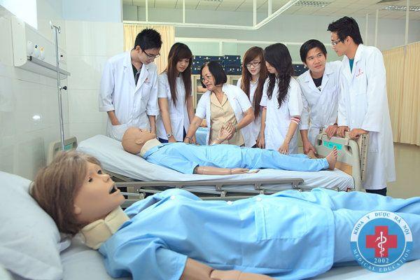 Học điều dưỡng tốt nghiệp làm gì