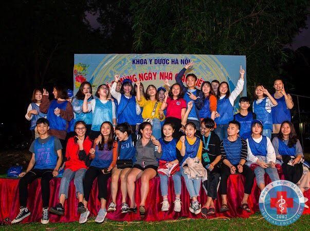 Sinh viên khoa y Dược đi ngoại khóa tại Mai Châu, Hòa Bình