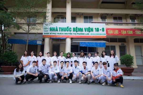 Sinh viên khoa y dược Hà Nội