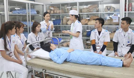 Xét tuyển đại học ngành điều dưỡng