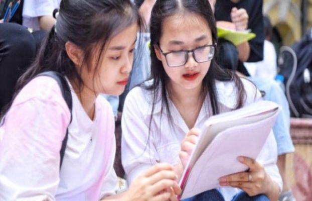 Đề thi kiến thức chủ yếu thuộc lớp 12