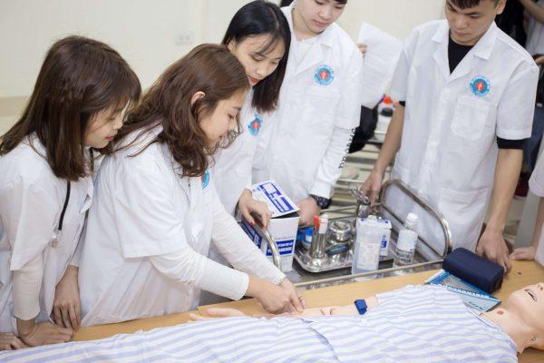 Học đại học điều dưỡng